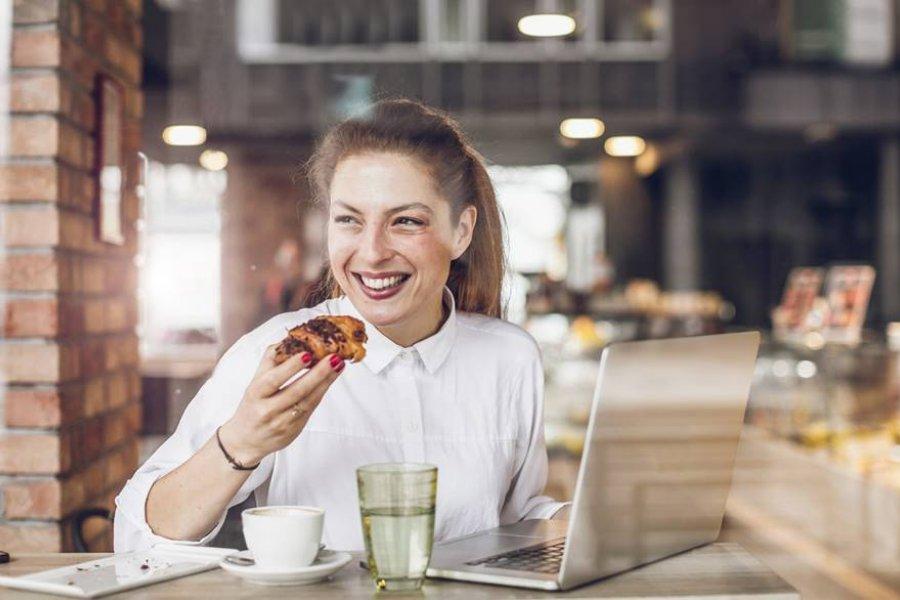 6 alteraciones de salud (en la mujer) relacionadas con comer azúcar
