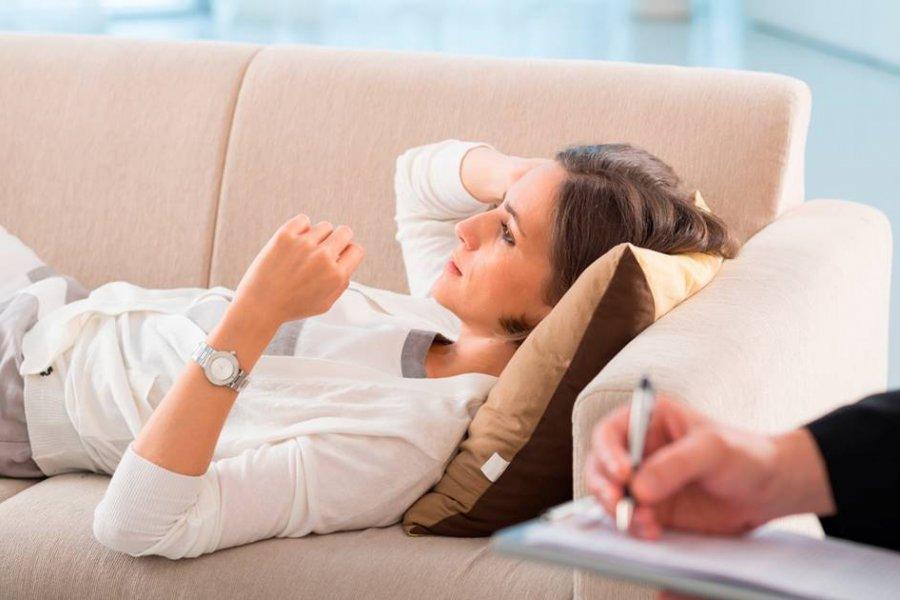 Psicólogo o psiquiatra, ¿a qué profesional conviene acudir?