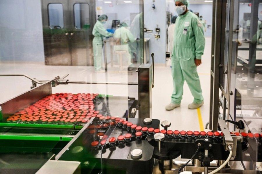 Argentina producirá al menos 150 millones de dosis de la vacuna de Oxford y AstraZeneca