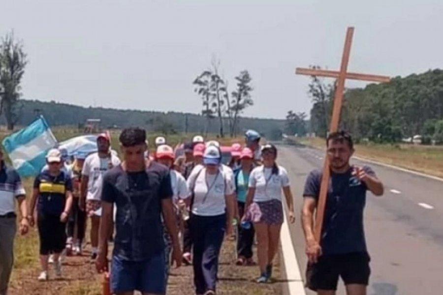 Jóvenes de 3 comunas participaron de la Caminata de la fe