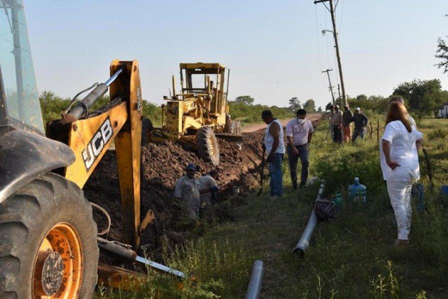 El Municipio y Aguas de Corrientes concretan 500 metros más de cañería