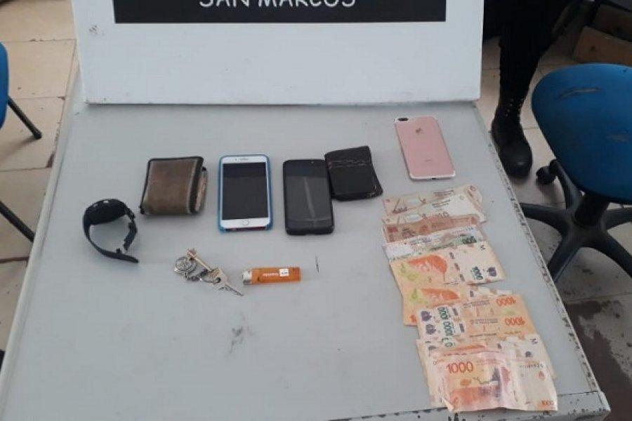 Secuestraron dos motos y recuperaron un celular robado
