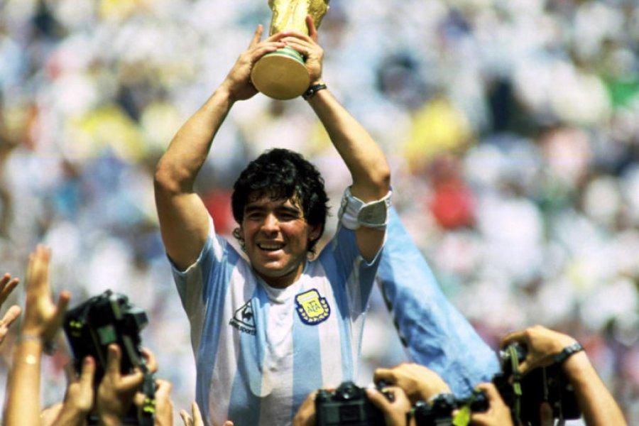 Maradona o el arte de gambetear al olvido