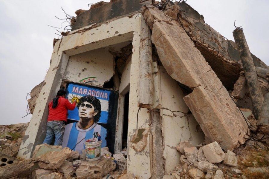 La historia detrás del asombroso homenaje a Maradona en Siria, entre las ruinas de Binnish