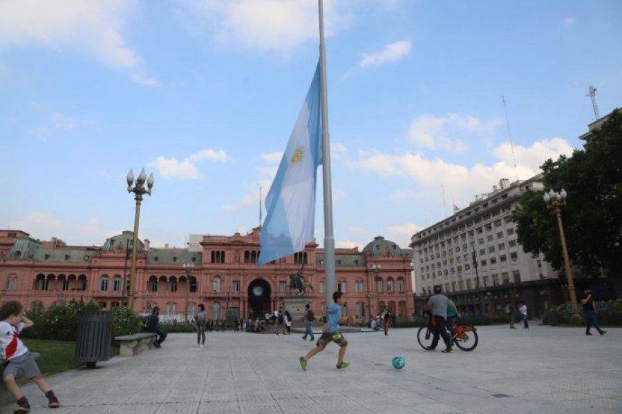 Siete provincias también decretaron duelo cómo homenaje a Diego Maradona