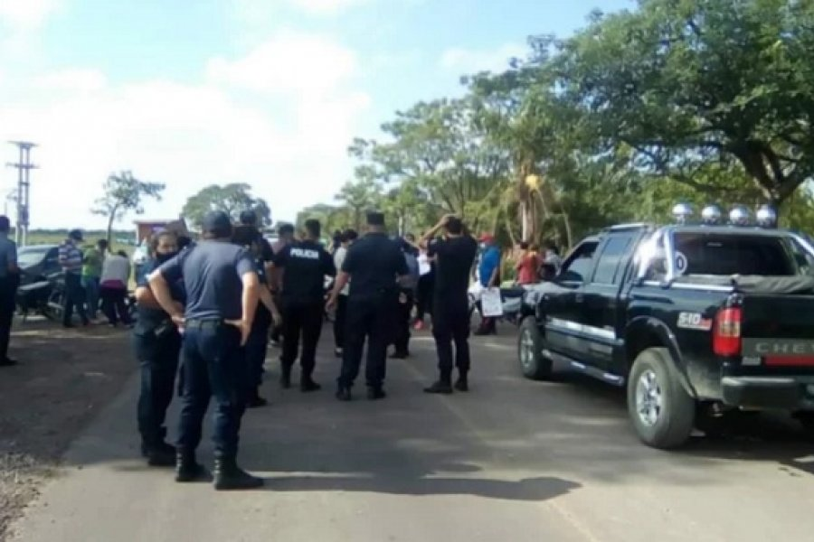 Piquete: Vecinos reclaman agua potable y cortan el tránsito en el ingreso a Itatí