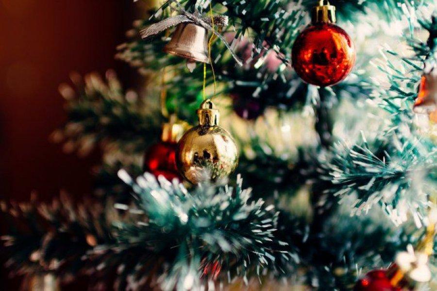 Navidad: armar el arbolito y comprar juguetes costará 40% más