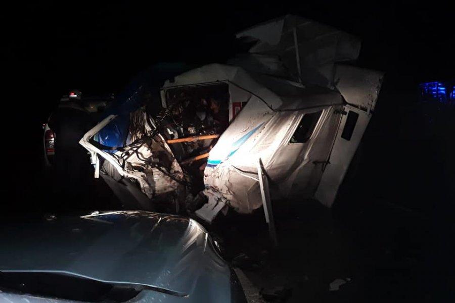 Fatal accidente: Dos muertos tras choque entre dos vehículos