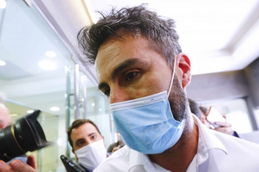 Allanan la casa y el consultorio del médico de Diego Maradona