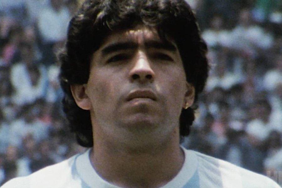 Pusieron el nombre de Diego Maradona a un Polideportivo de Paso de Los Libres