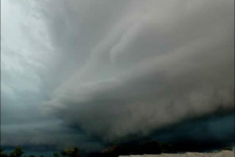 El temporal causó destrozos en Gobernador Martínez