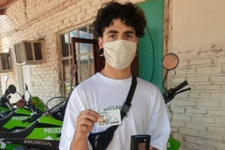 Cadete de Policía devolvió una billetera que encontró en la calle