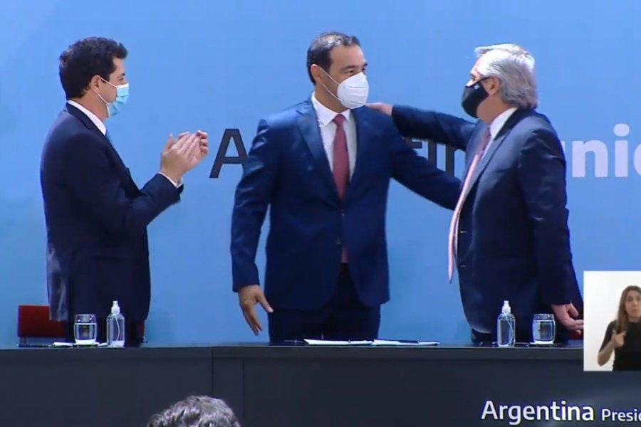 Con la firma de Valdés, Corrientes adhirió al Consenso Fiscal 2020