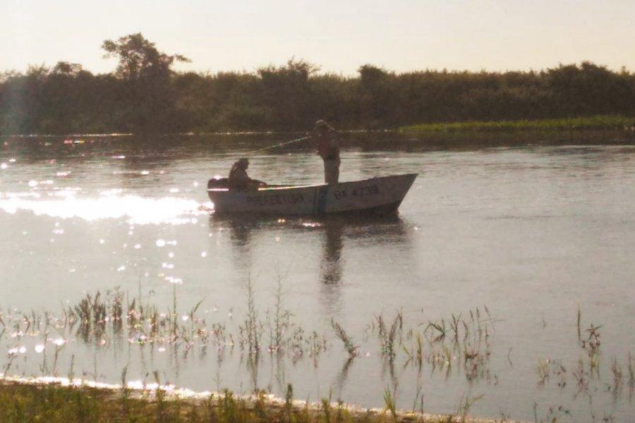 Buscan a un hombre que desapareció en las aguas del Río Corrientes
