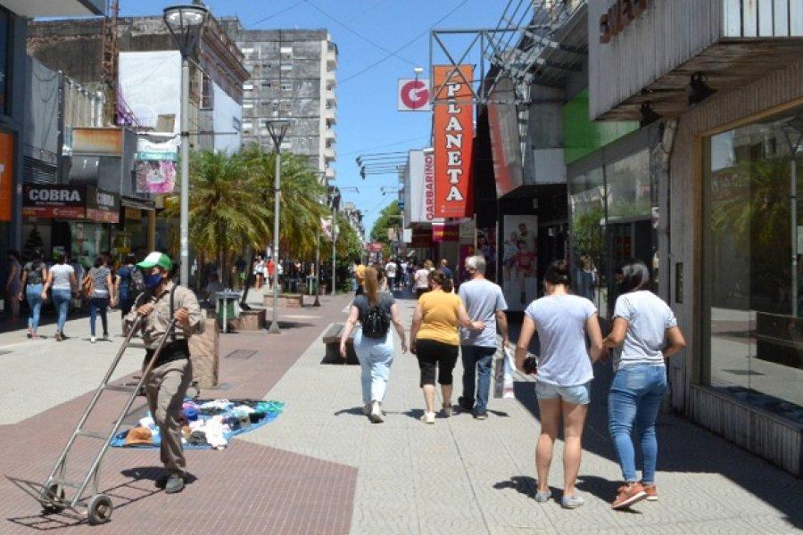 Corrientes sigue sin establecer restricciones a pesar del récord de casos