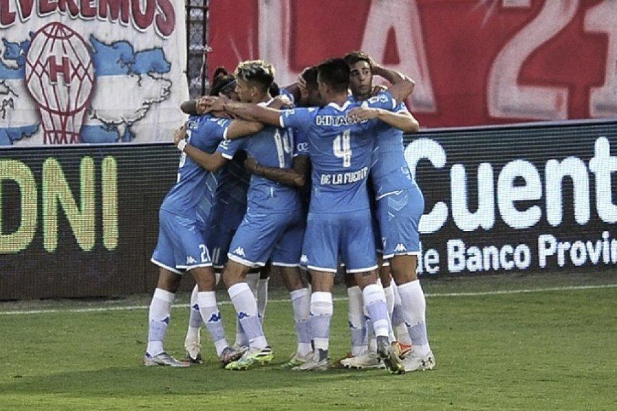 Vélez inicia los cuartos de final ante Universidad Católica de Chile