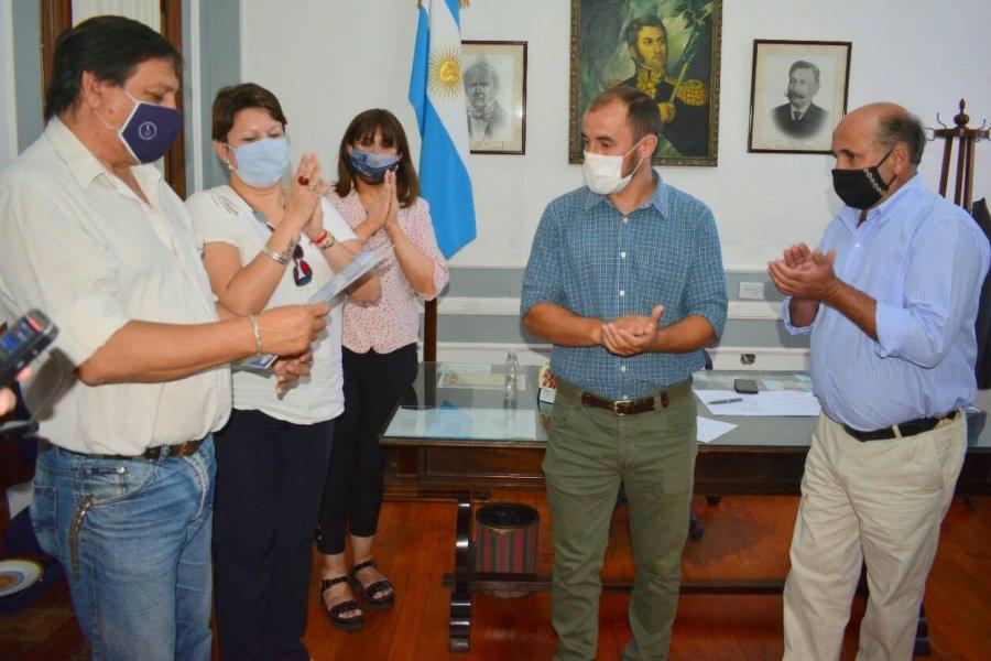 El Municipio entregó subsidio de $200.000 para la operación de Lacho Sena