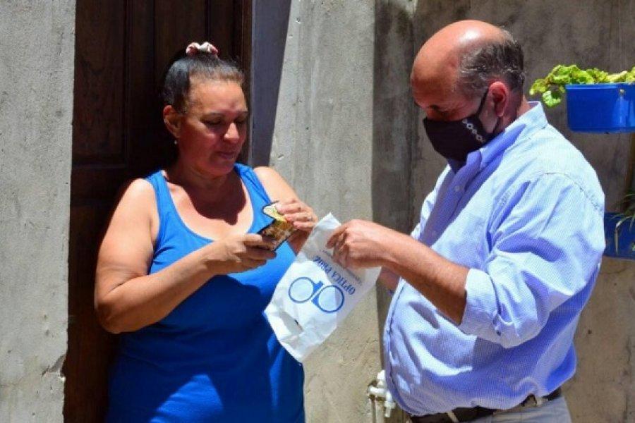 Mercedes: El Intendente entregó anteojos a vecinos