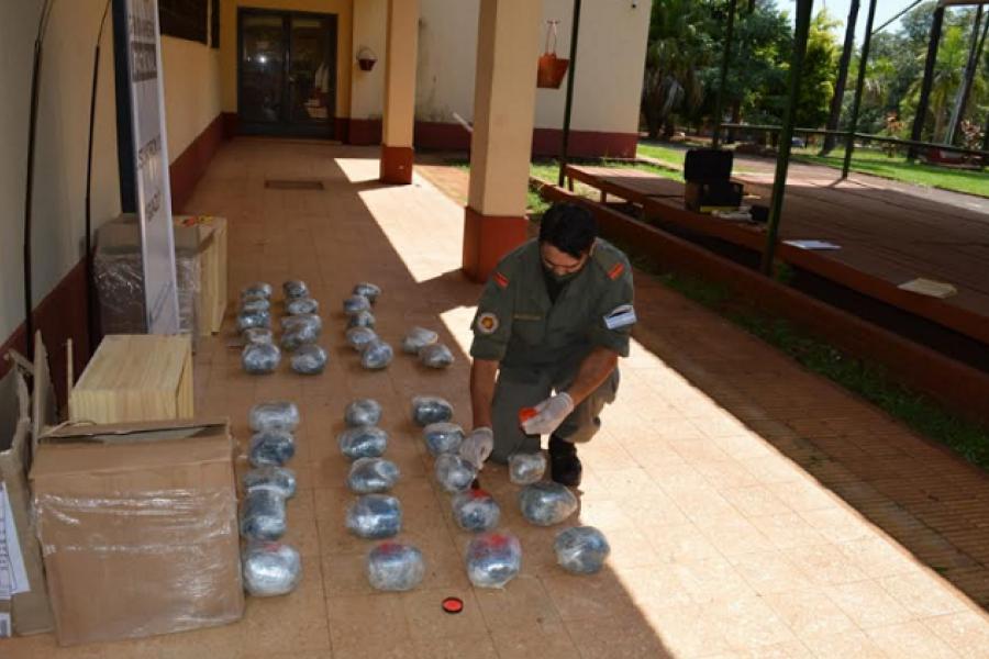 Corrientes - Misiones: Incautan más de 49 kilos de marihuana despachados en encomiendas