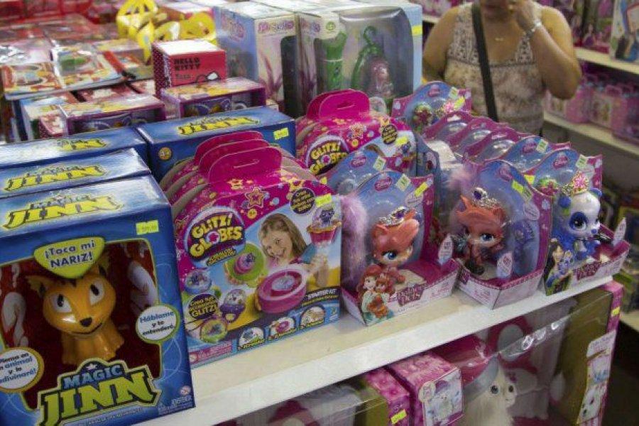 A dos semanas de Navidad, los juguetes registran subas de hasta 160%