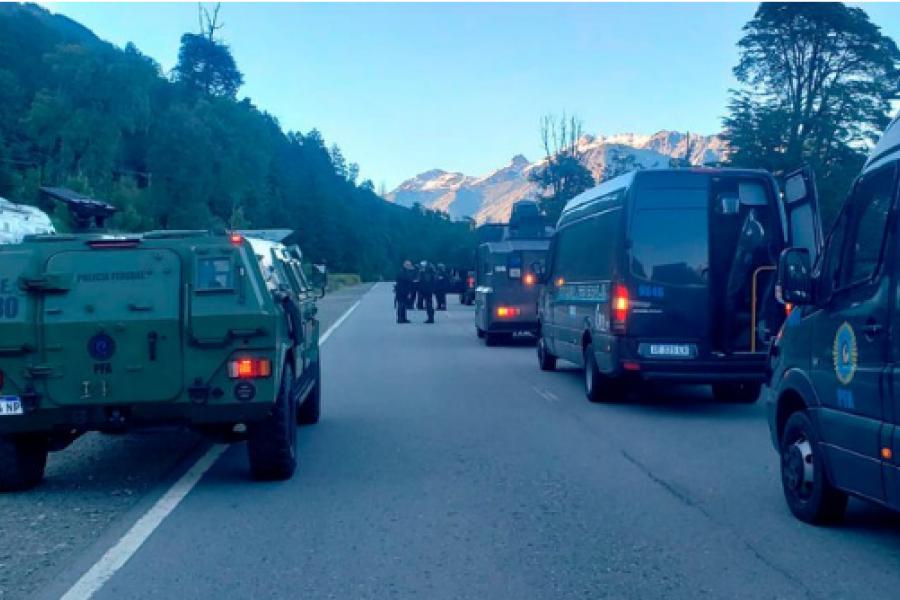 Villa Mascardi: Impresionante operativo con tanquetas blindadas para que una fiscal ingresara a una zona controlada por mapuches