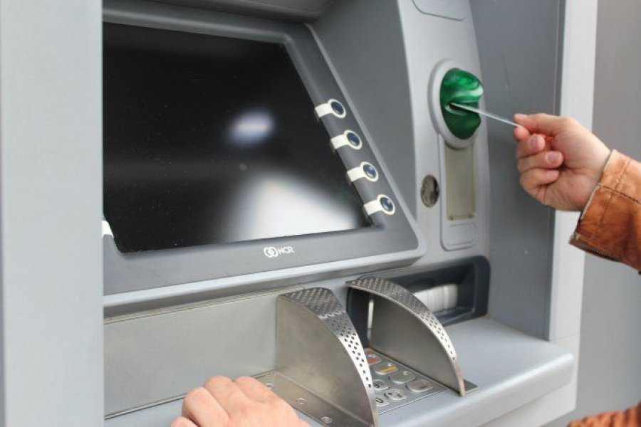Cajeros automáticos: prorrogan hasta abril suspensión del cobro de comisiones