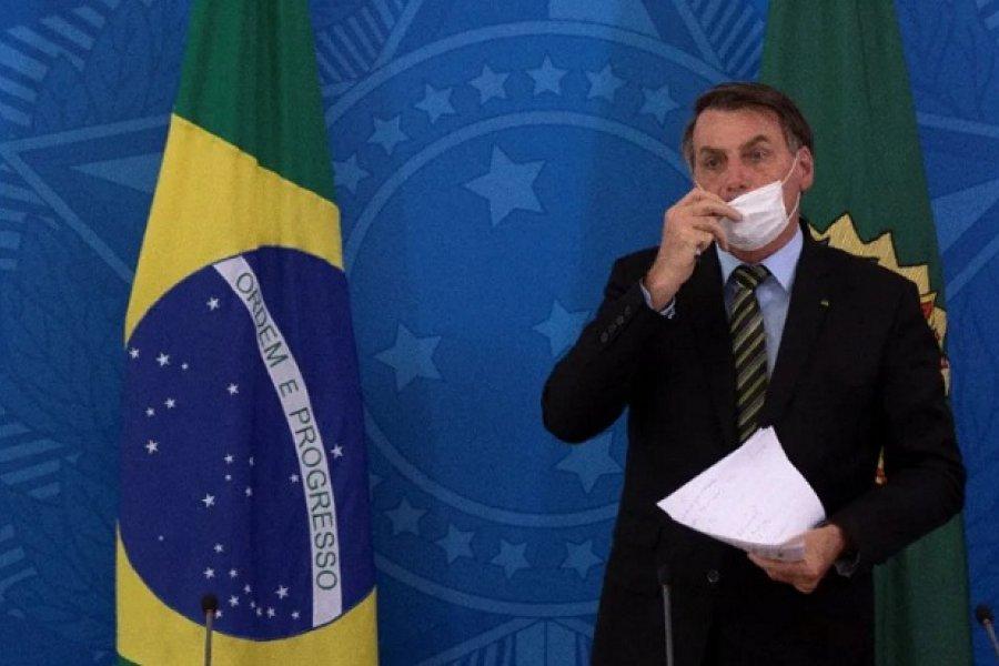 Bolsonaro apuntó contra la vacuna de Pfizer: Te puede convertir en un yacaré