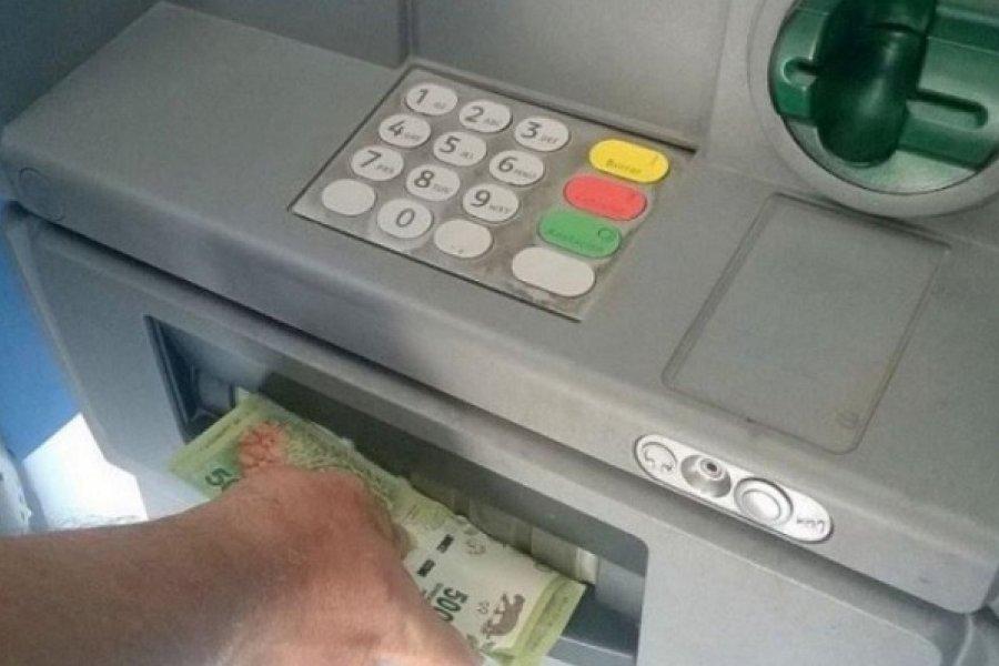 Aguinaldo de estatales con poda de hasta 25% por aportes