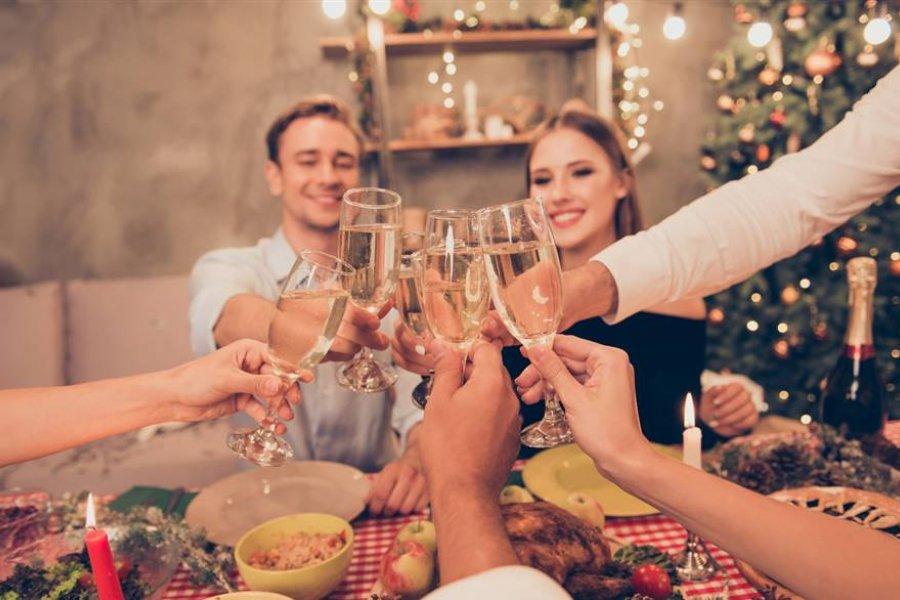 Se calcula el riesgo de contagio en las comidas y reuniones navideñas