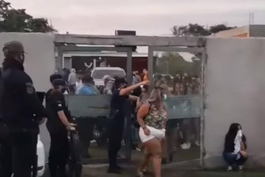 Fiesta clandestina con casi 100 personas en el barrio Laguna Soto