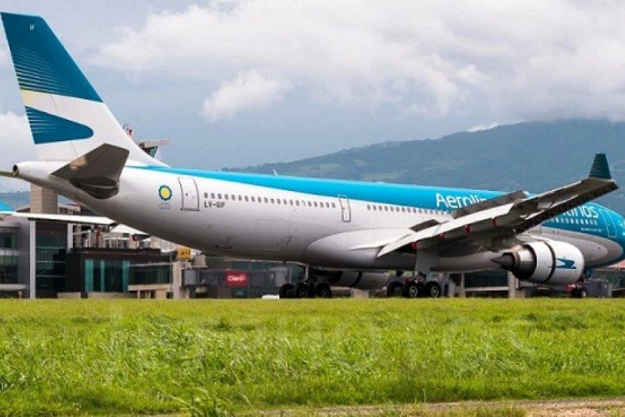El avión que traerá las vacunas rusas ya está en Europa