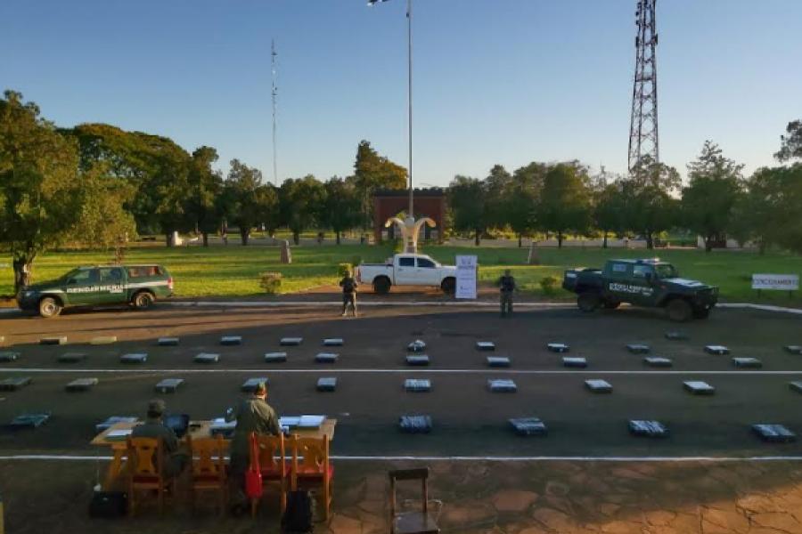 Misiones: Una camioneta fue abandonada con dos toneladas de marihuana