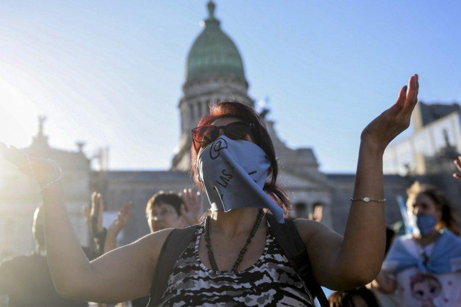 Católicos y evangelistas convoca a ayuno y oración en la previa al tratamiento del aborto