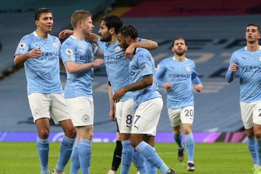 Manchester City derrotó a Newcastle y se metió en puestos de copas