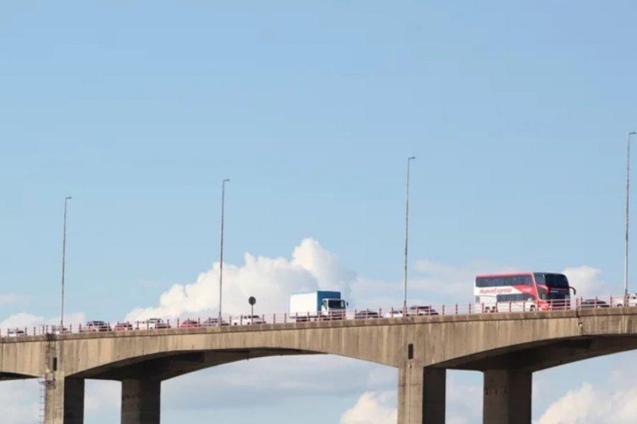 Los controles en Avenida 3 de abril causaron grandes demoras en el Puente