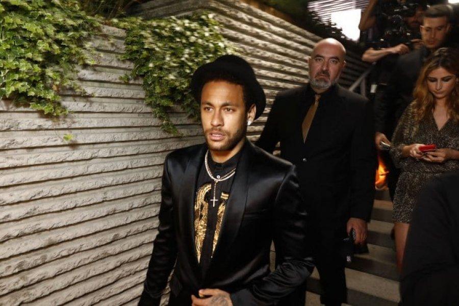 Neymar y una megafiesta que despertó polémica en Brasil