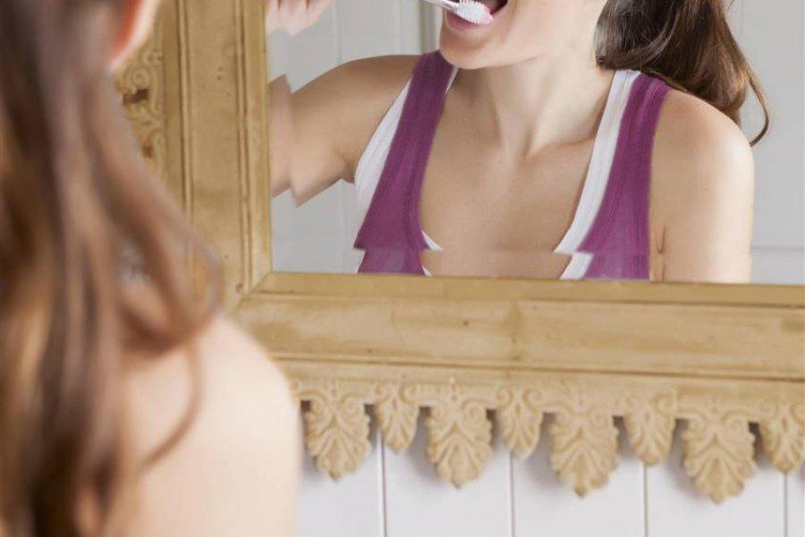 Cómo preparar una pasta de dientes casera