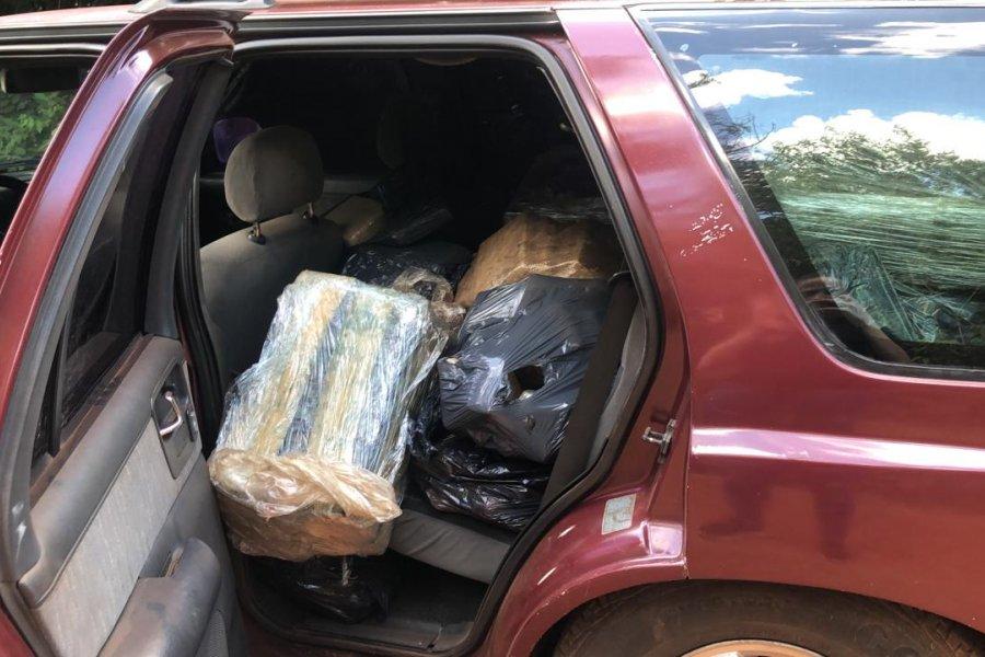 Secuestran una camioneta abandonada con 600 kilos de marihuana