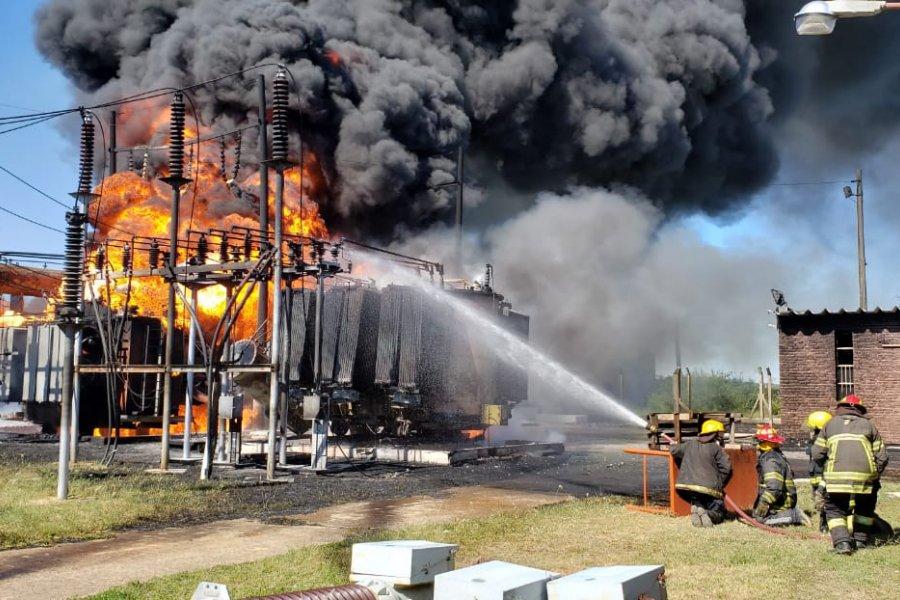 Un incendio de grandes proporciones afecta la ET de Santa Catalina