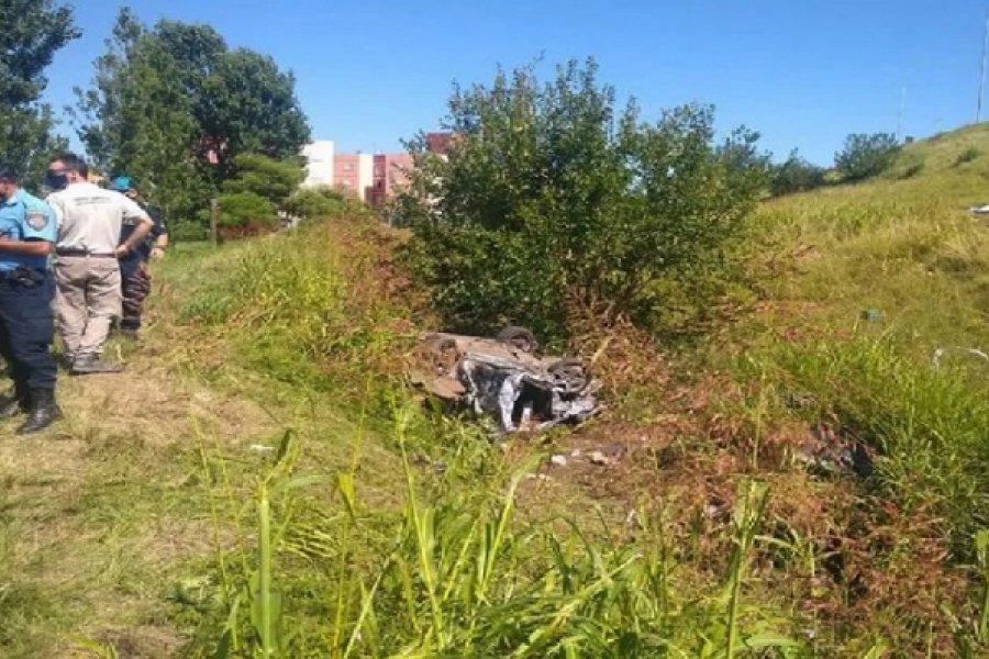 Córdoba: Murieron tres jóvenes al desbarrancar un auto