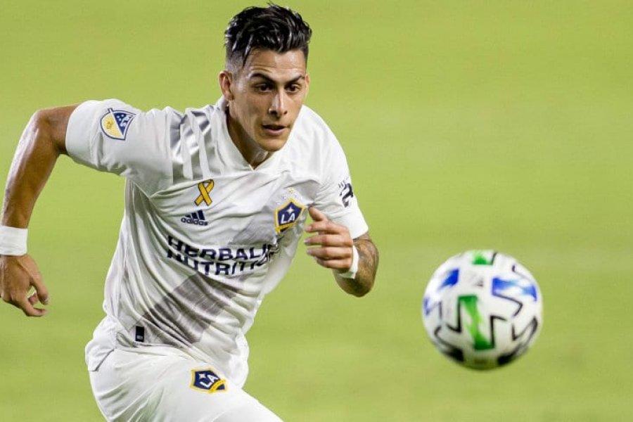 Cristian Pavón se presentará a entrenar en Boca