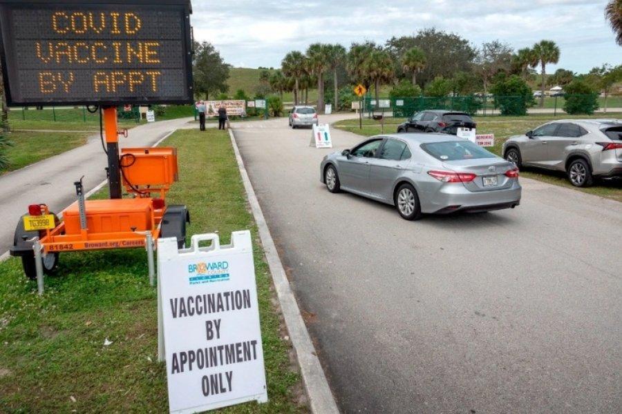 Turismo de vacunación: Los argentinos que se van a vacunar a Miami