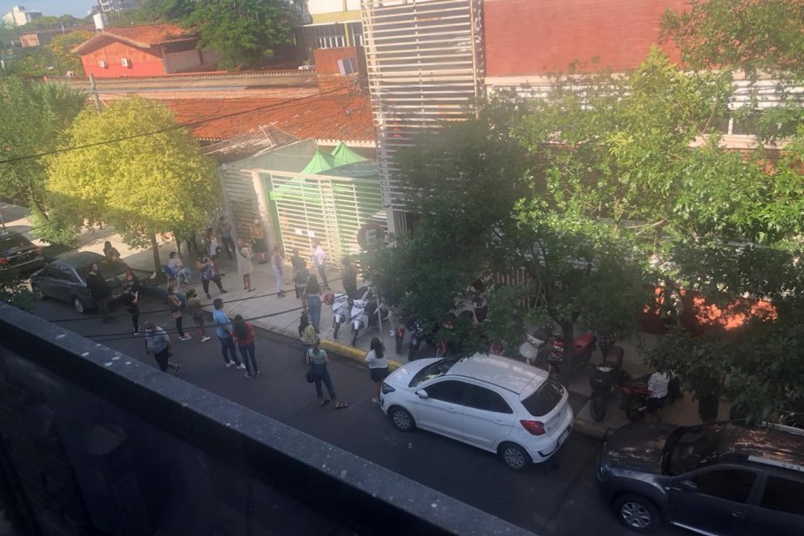 Caótica primera semana de testeos en Corrientes con horario reducido