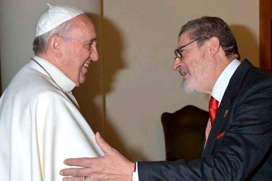 Murió por covid-19 el médico personal del papa Francisco