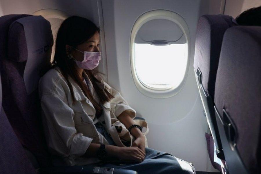 Un vuelo de 18 horas, cuatro infecciones de coronavirus