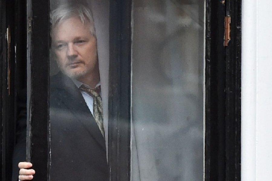 Julian Assange contra las Furias vengadoras