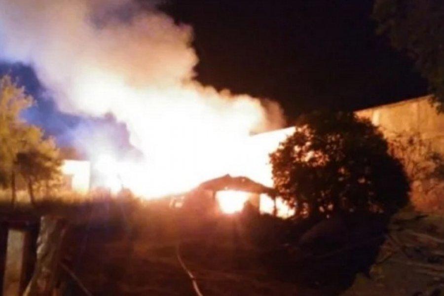 Fuego devoró una precaria vivienda en Curuzú Cuatiá