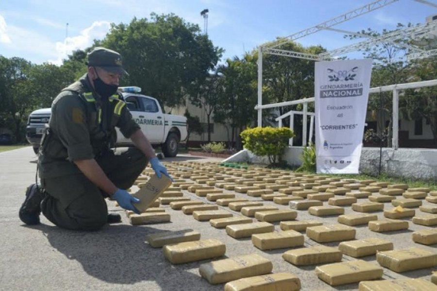 Corrientes: Hallan más de 203 kilos de marihuana en auto abandonado