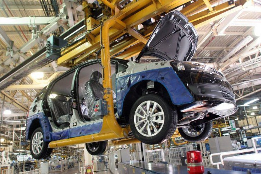 Gobierno anunció que eliminará retenciones para algunas exportaciones de autos