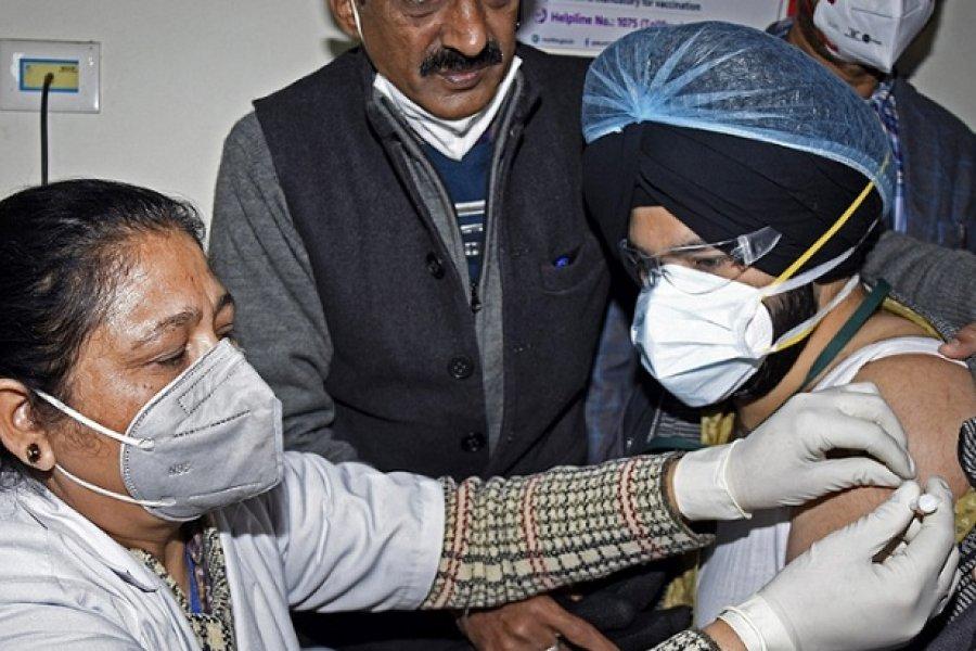 India inició la campaña de vacunación más grande del mundo